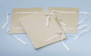 Spisové desky s tkanicí A4 Emba - s ražbou, béžové