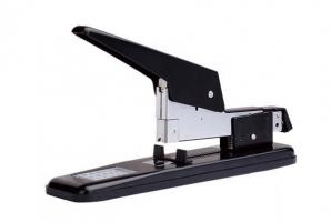 Páková sešívačka Deli E0390 - 80 listů, kovová, černá